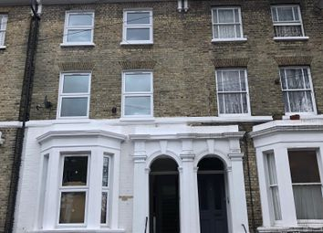 4 bed maisonette to rent in Flaxman Road, Camberwell, London SE5