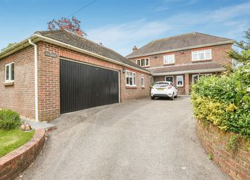 Thumbnail 5 bed detached house for sale in Jacklyns Lane, Alresford