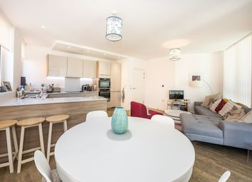 3 bed flat to rent in Cable Walk, London SE10