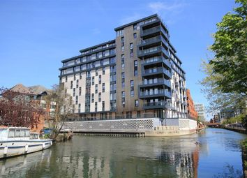 Thumbnail 1 bed flat to rent in Kennet House, 80 King's Road, Reading