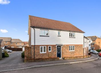 3 bed property for sale in Greyhound Chase, Singleton, Ashford TN23