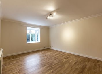 Thumbnail 1 bed flat to rent in Lattimore Road, St.Albans