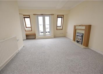 2 bed flat to let in The Promenade