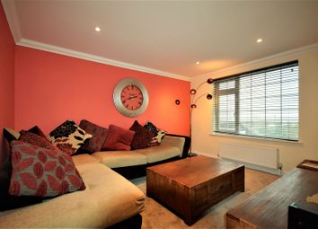 Thumbnail 2 bed flat to rent in Masons Road, Slough