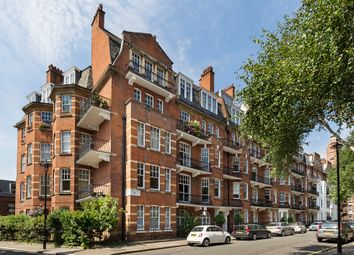Thumbnail 2 bedroom flat for sale in Ashley Gardens, London