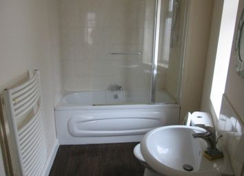 2 bed flat to rent in Belmont Road, Bearwood, Smethwick B66