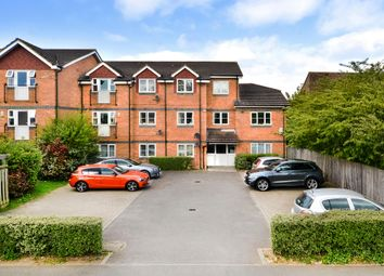 Thumbnail 1 bed flat to rent in Rokesby Road, Slough