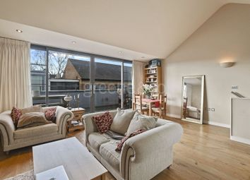 Thumbnail 2 bed property to rent in Elliotts Place, Islington, London