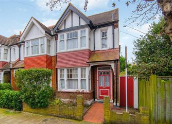 3 bed property for sale in Riverview Road, London W4