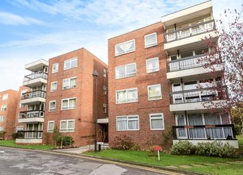 Thumbnail 3 bedroom flat for sale in Greenacres, Finchley N3,