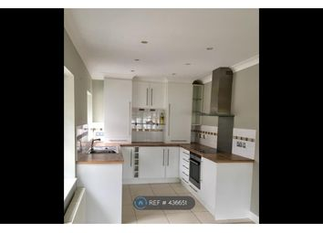 Thumbnail 2 bed flat to rent in Gold Hill East, Chalfont St. Peter