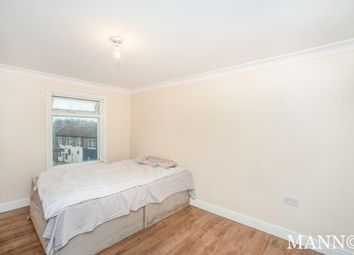 Thumbnail 3 bedroom flat to rent in High Street, Chislehurst