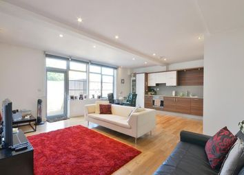 Thumbnail 2 bed flat to rent in Islington High Street, Angel, London