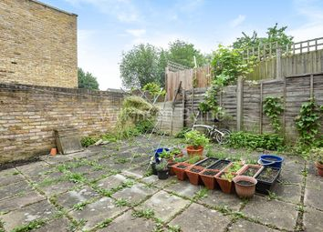 2 bed flat for sale in Bowes Road, London N13
