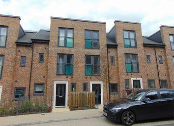3 bed terraced house for sale in Spey Road, Tilehurst, Reading, Berkshire RG30