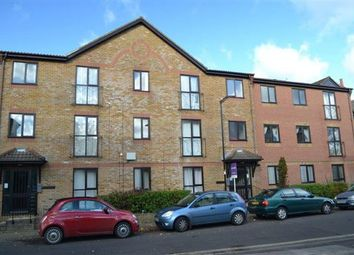 Thumbnail 2 bed flat to rent in Oakley House, Court Road, Southampton