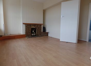 Thumbnail 2 bed flat to rent in Kingshill Avenue, Hayes