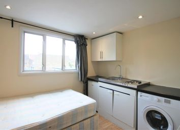 High Road, Willesden NW10. Studio to rent          Just added