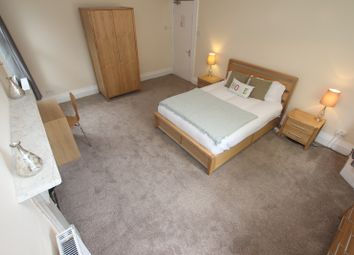 Thumbnail Room to rent in Brownlow Road - Room 2, Reading