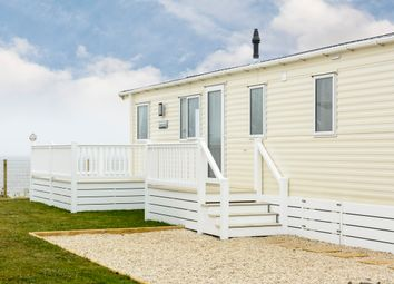 Thumbnail 2 bedroom mobile/park home for sale in Bakers Score, Corton, Lowestoft