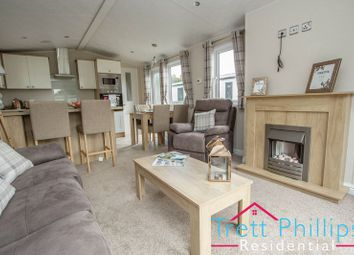 Thumbnail 2 bedroom mobile/park home for sale in Bridge Road, Potter Heigham, Great Yarmouth