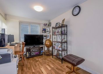 Thumbnail 1 bed flat for sale in Willow Wood Crescent, London