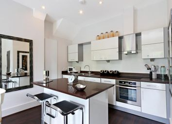 Thumbnail 3 bedroom flat to rent in Rotary Court, Hampton Court Road