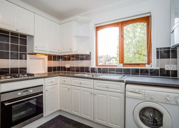 Thumbnail 2 bedroom flat to rent in Queens Road, Royston, Hertfordshire