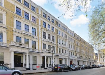 Thumbnail 2 bed flat for sale in Courtfield Gardens, London