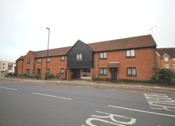 Thumbnail 2 bedroom flat to rent in Needlemakers, Chichester