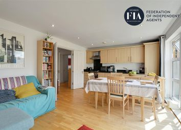 Ferry Quays Courtyard, High Street, Brentford TW8. 2 bed flat for sale
