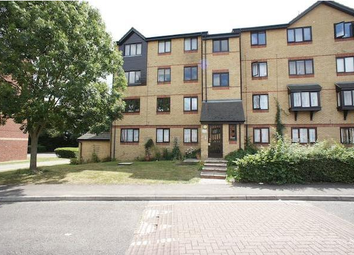Thumbnail 1 bed flat to rent in Chestnut Road, Basildon