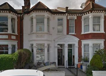 Thumbnail Town house to rent in Pennard Road, London