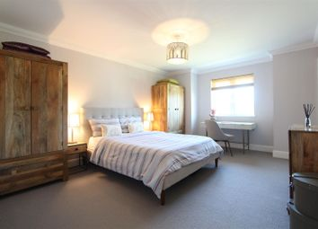 Thumbnail 2 bedroom flat for sale in Station Approach, West Byfleet