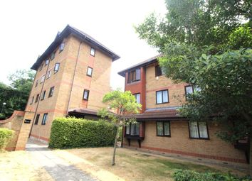 Thumbnail 1 bed flat to rent in Orchard Grove, London