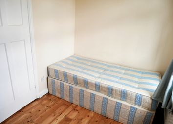 Thumbnail Room to rent in Council Tax, Bills & Wifi Included, The Approach /East Acton