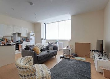 Thumbnail 1 bed flat to rent in Lorne Road, Bath