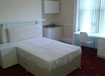 Thumbnail 9 bed shared accommodation to rent in 39 Ashgrove, University Area