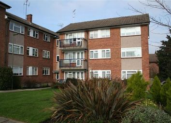 Thumbnail 3 bed flat to rent in Cumberland Gardens, Holders Hill Road NW4, Hendon