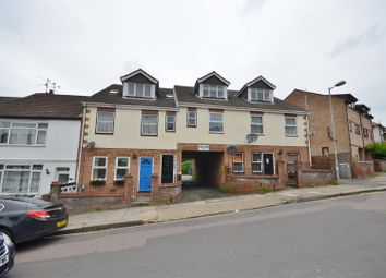 Thumbnail 1 bedroom flat to rent in Ridgway Road, Luton