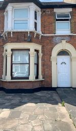 1 bed flat to rent in Park Road, Ilford IG1