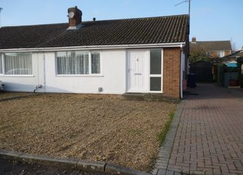 Thumbnail 2 bedroom bungalow to rent in Fontwell Avenue, Cambridge