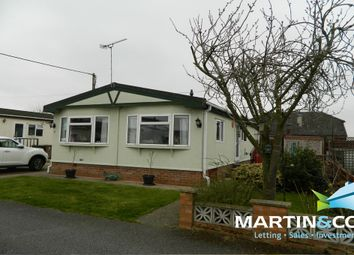 Thumbnail 2 bed mobile/park home for sale in Astral Way, North Hykeham, Lincoln