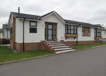 Thumbnail 2 bedroom mobile/park home for sale in Abridge, Nr Romford, Essex