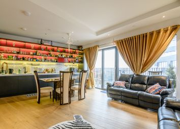 Thumbnail 2 bed flat for sale in Botanic Square, London