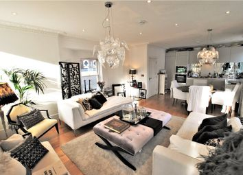 Thumbnail 3 bed flat to rent in Campden Hill Gardens, Notting Hill, London