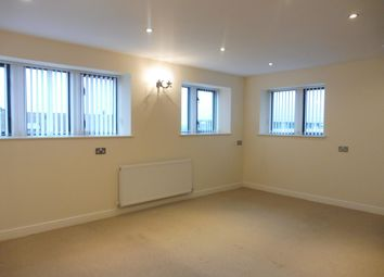 Thumbnail 2 bedroom flat to rent in Richardshaw Lane, Pudsey, Leeds