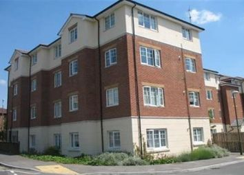 Thumbnail 2 bed flat to rent in Kennedy Road, Horsham