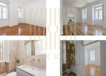Thumbnail 4 bed apartment for sale in Estrela, Estrela, Lisboa