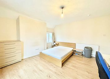 Thumbnail Room to rent in Warwick Avenue, Bedford